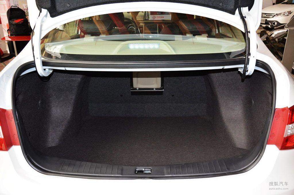 2014款东风风神A60 1.6L手动豪华型到店实拍高清图片
