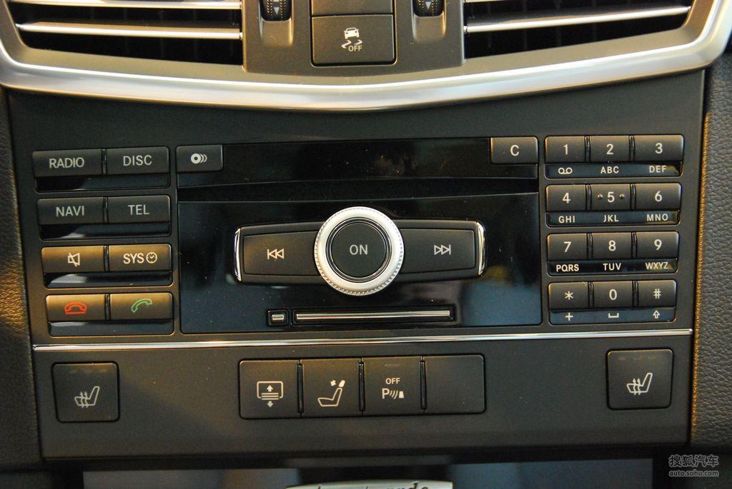 奔驰 e300时尚豪华型   空调控制面板