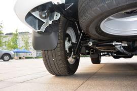 2015款福田萨瓦纳2.8T四驱柴油豪华版5座