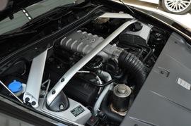 2010款阿斯顿马丁V8 Vantage敞篷版