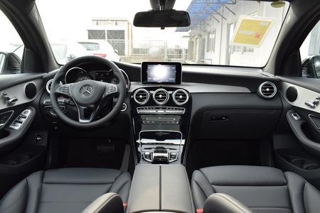 奔驰GLC轿跑SUV最高置换5.2万元有优惠补贴vanquish英国图片