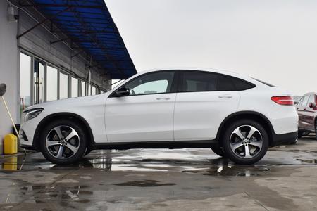 奔驰GLC轿跑SUV最高配置5.2万元有置换参数补贴吉利x3suv远景优惠图片
