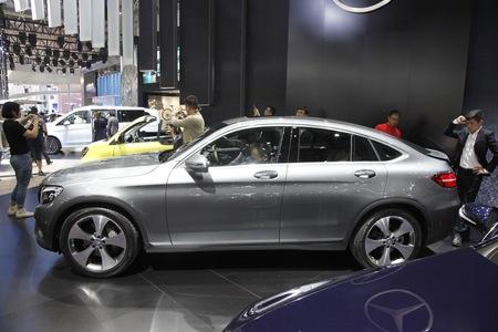 奔驰GLC轿跑SUV最高置换2.4万元有优惠补贴顺德宾利添越图片