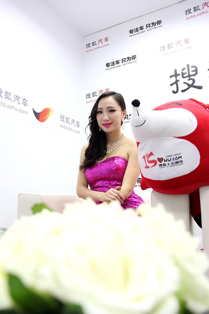 武汉车展起亚车模_为网友谋福利 搜狐汽车私拍别克车模之二-搜狐汽车