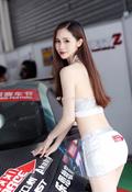 网红美女车模思思白皙嫩乳性感私拍流出