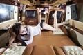 天使级性感美女 从奢华房车中午后梦醒