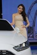 2013青岛国际车展车模风采-优雅车模
