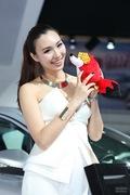2012青岛车展车模图片