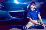 足球宝贝甜美可爱 在球星的法拉利车内各种缠绵