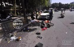 电动车与奔驰相撞骑车男子身亡 双方曾发生口角