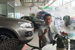 众泰轿车Z700年内上市 采访碧海缘冯景余