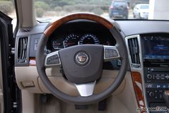 凯迪拉克SLS赛威3.6L 旗舰型方向盘图片