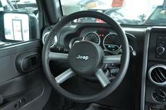 Jeep吉普牧马人四门版3.8L 撒哈拉方向盘图片