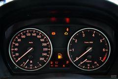 宝马3系318i 领先型仪表板图片