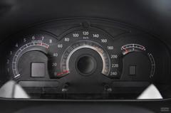 奔腾B702.0MT 精英型仪表板图片