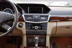 奔驰E级E200 CGI优雅型(进口)中控台图片