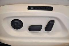 大众途观2.0TSI 手自一体 旗舰导航版座椅调节图片