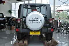 Jeep吉普牧马人四门版3.8L 撒哈拉正后图片