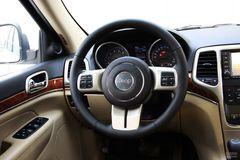 Jeep吉普大切诺基3.6L 豪华版方向盘图片