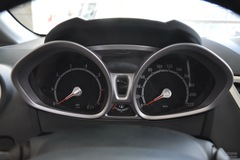 福特嘉年华两厢1.3L 手动 风尚型仪表板图片