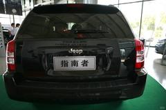 Jeep吉普指南者2.4L 运动版正后图片