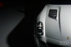 锦上添花! 法拉利599改装碳纤维材质套件