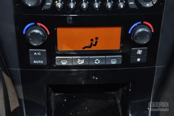 行车电脑显示屏:全系标配