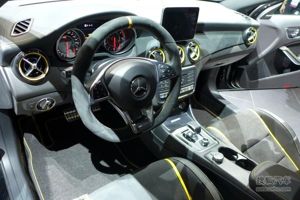 奔驰GLA 45AMG 北美车展实拍