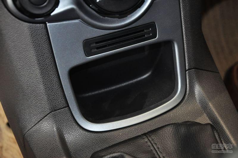 福特长安福特嘉年华两厢2013款福特嘉年华两厢1.5l自动时尚高清图片