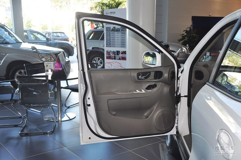 华泰华泰汽车圣达菲2012款华泰圣达菲1.8t手动导航版高清图片