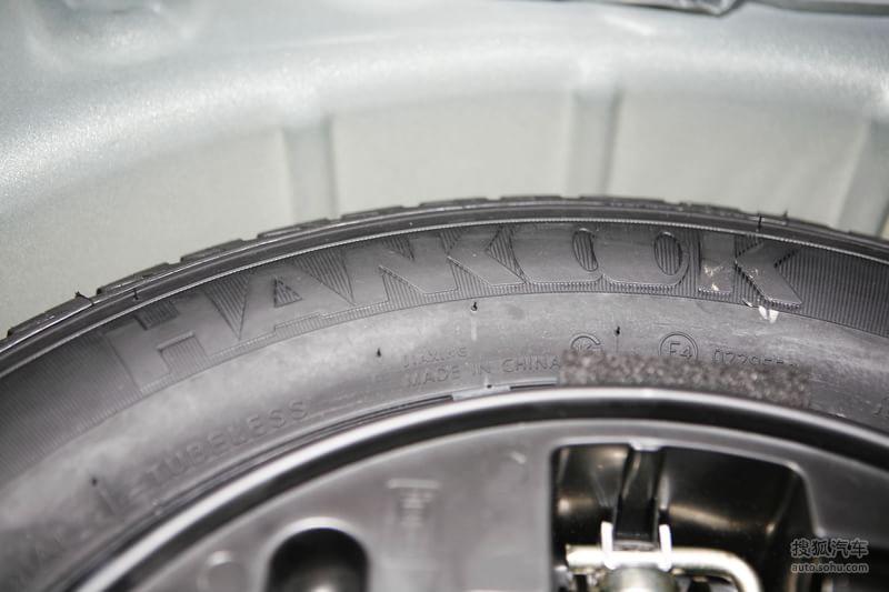 标致307两厢2010款1.6l 手动 豪华版底盘 动力金属灰m818861图片 图库高清图片