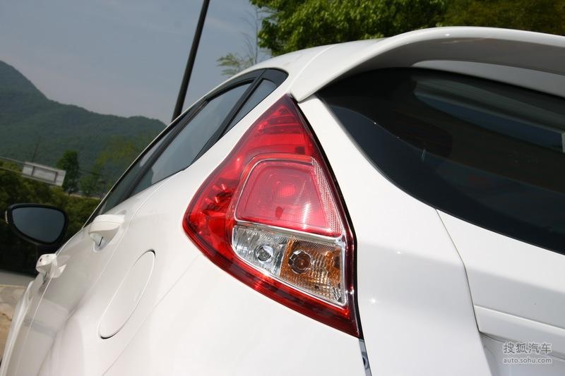 福特长安福特嘉年华两厢试驾2013款福特新嘉年华两厢1.5l自高清图片