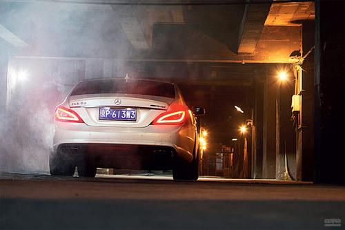 中国汽车画报试驾奔驰CLS63 AMG