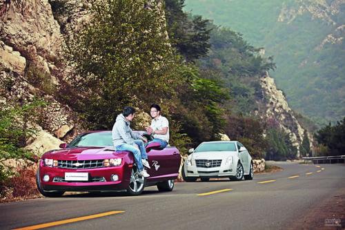 《中国汽车画报》对比试驾CTS COUPE和科迈罗