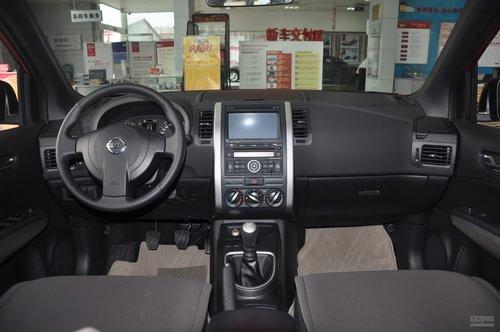 2012款日产奇骏2.0L XE手动四驱舒适版到店实拍