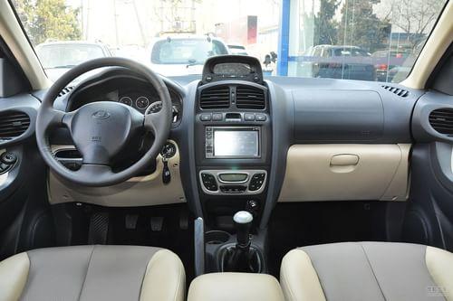 2013款华泰圣达菲1.8T手动汽油两驱型