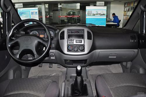 2013款风行菱智1.6L手动豪华型