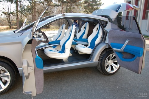奔腾SUV概念车实拍图
