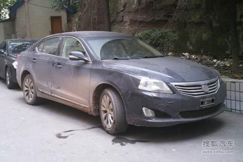 长安CD101轻伪装照曝光 预计北京车展发布