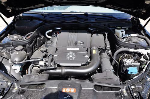 2011款奔驰E200L CGI优雅型(曜岩黑)