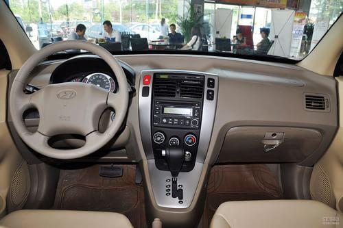 2008款北京现代途胜 2.0GL自动两驱舒适型