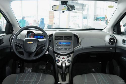 2013款雪佛兰爱唯欧1.4L自动时尚天窗版