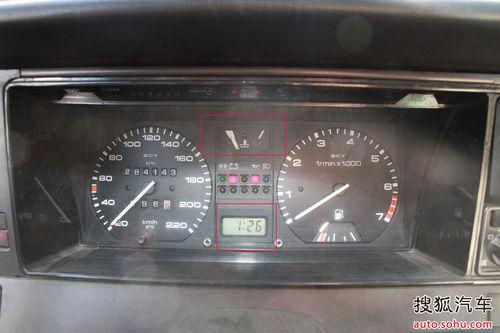 四 老式化油器汽车的热车方式高清图片