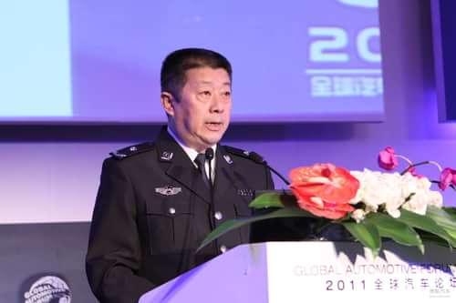 【辩论会】-成都市公安局交通管理局局长 巢维