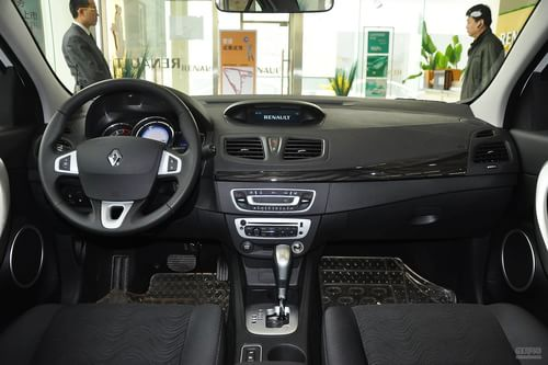 2013款雷诺风朗2.0L CVT标准版