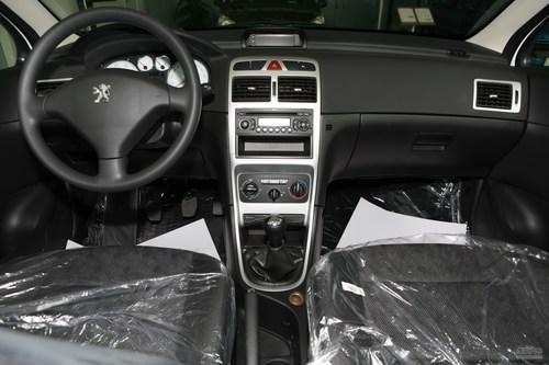 2010款307 2.0手动舒适版