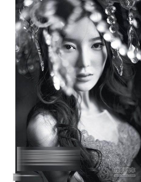 李颖芝登男人杂志 自曝车展遭骚扰 李颖芝登男人杂志 自曝车展遭骚扰