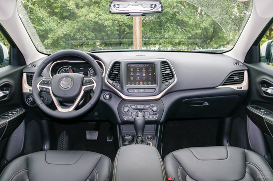 Jeep 自由光 实拍 内饰 图片