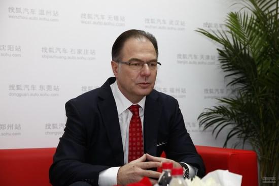 莱瑞宁 福建奔驰总裁兼首席执行官