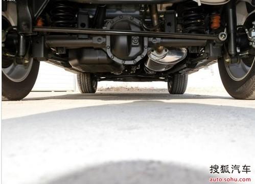 双龙双龙汽车爱腾2014款 2.3 四驱豪华汽油版